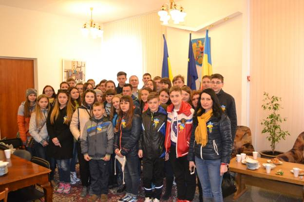 Children from Lugansk Region on the way to Romania for vacation