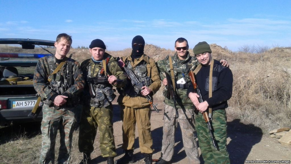 Bondo Dorovskiy (1st from the right) and other militias near Alchevsk