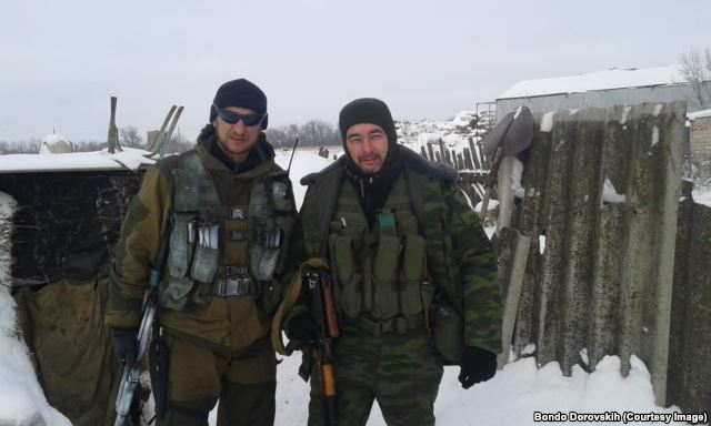 Bondo Dorovskih (on the right) and militiaman from Russia