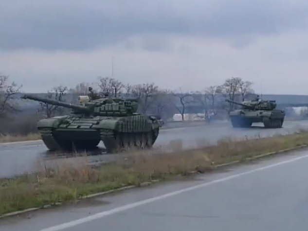 Tanks moving in the convoy