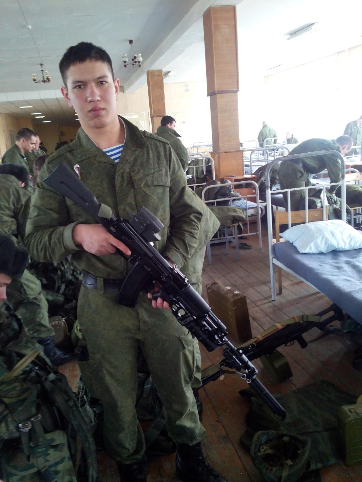 Timur Mamayusupov with AK gun used by Russian Special Forces only.