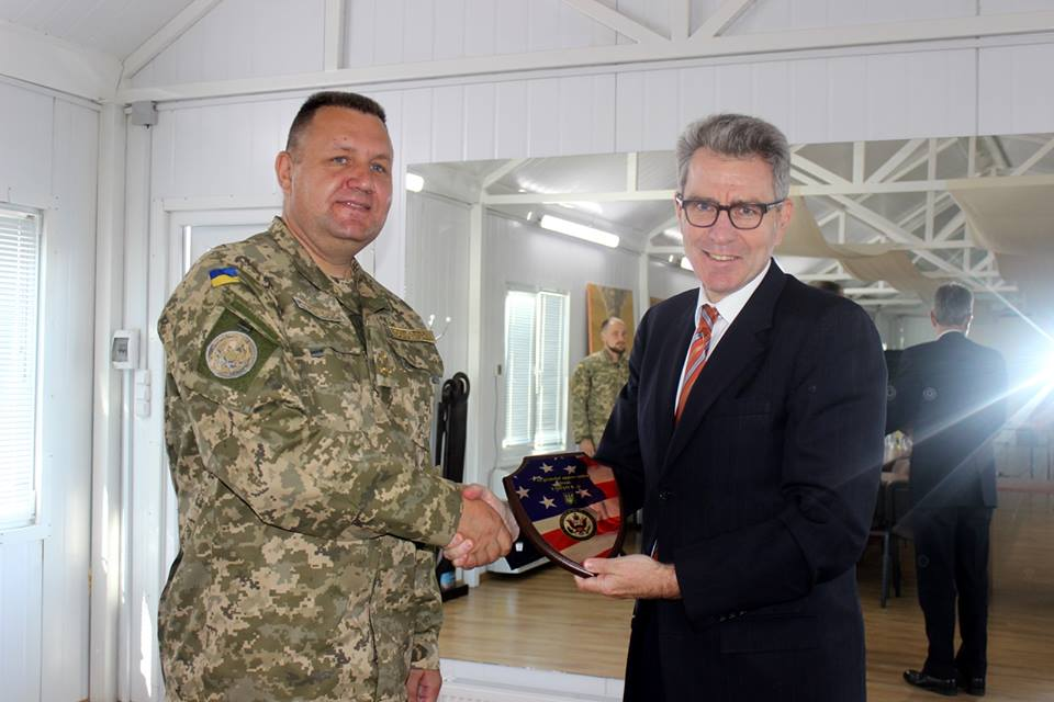 The Deputy Head of ATO Col. Konstyantyn Sokolov and the United States Ambassador to Ukraine Geoffrey Pyatt in Kramatorsk, Donetsk Region.