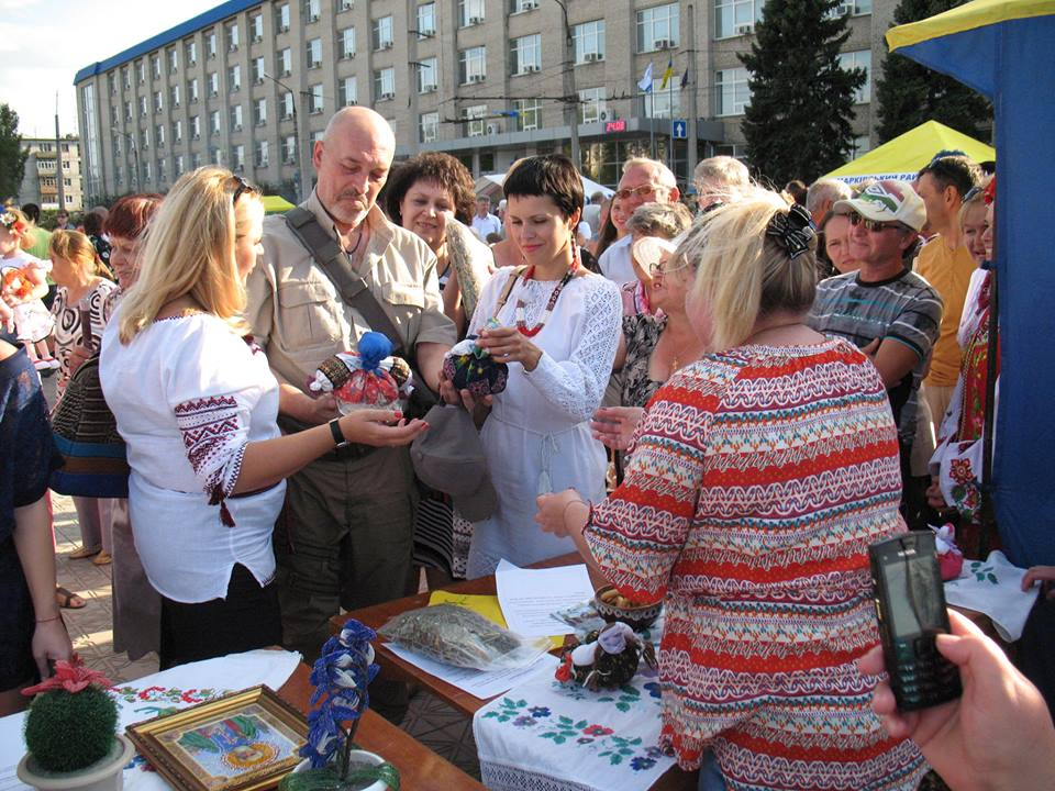 George Tuka and Olga Lishyk in Severodonetsk on Independence Day of Ukraine