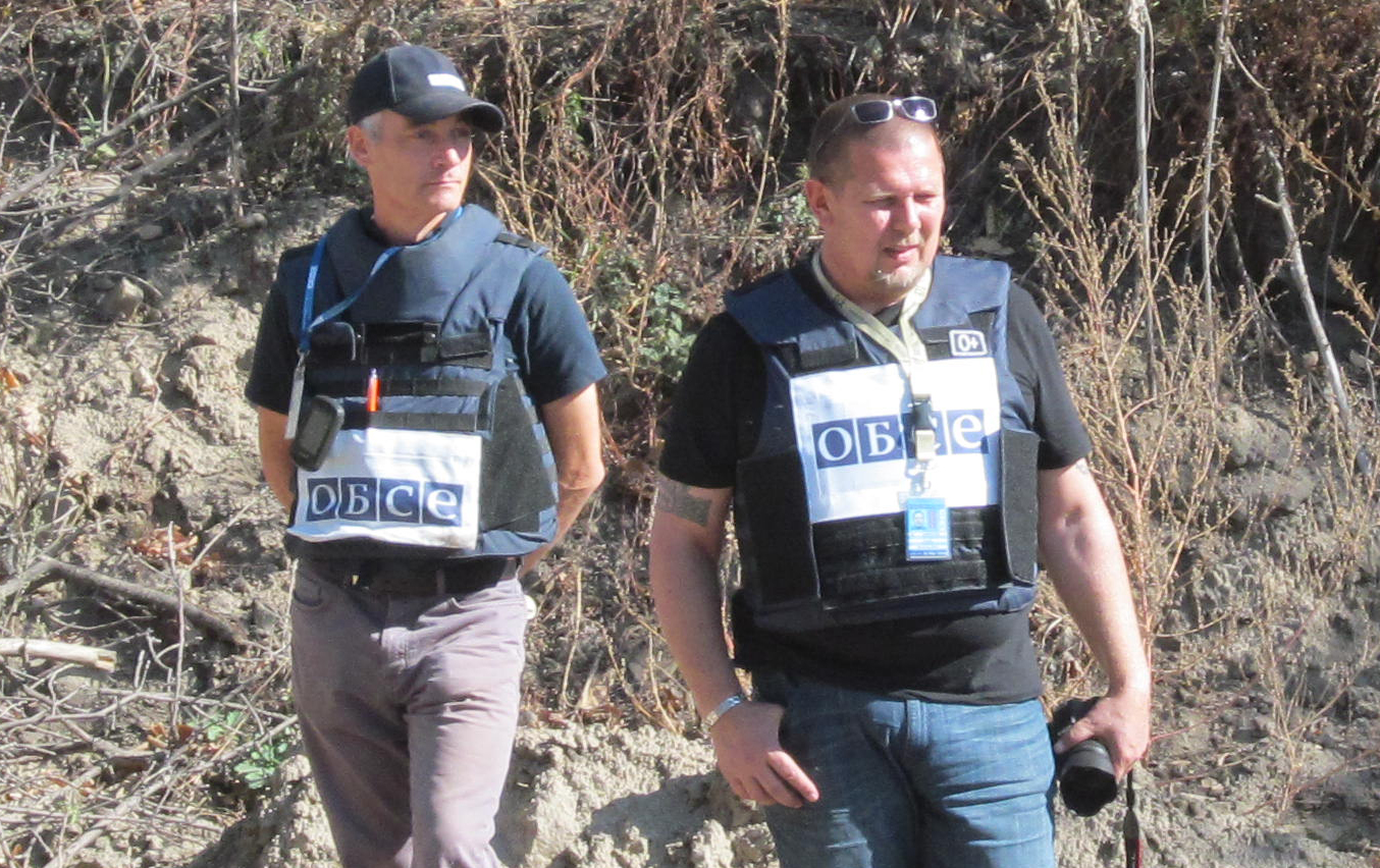OSCE observes withdrawal of tanks by Ukrainian Army in Lugansk Region
