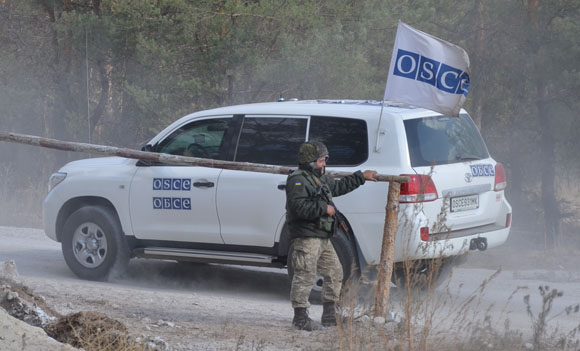 OSCE controls withdrawal of Ukrainian Army artillery from the contact line