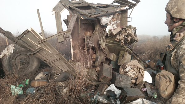 Truck with Ukrainian soldiers was hit by a landmine near Mariupol